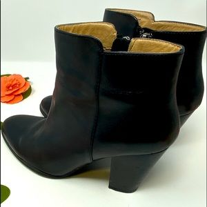 Adrienne Vittadini Bech ankle boots, black leather
